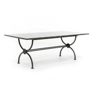 Klassischer Tisch mit polierter Natursteinplatte