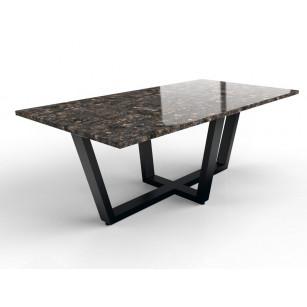 Esstisch aus poliertem Granit mit Eisengestell