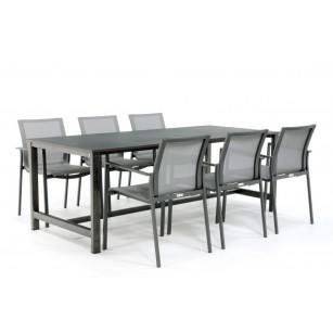 Industrieller Stahltisch mit Dekton Tischplatte