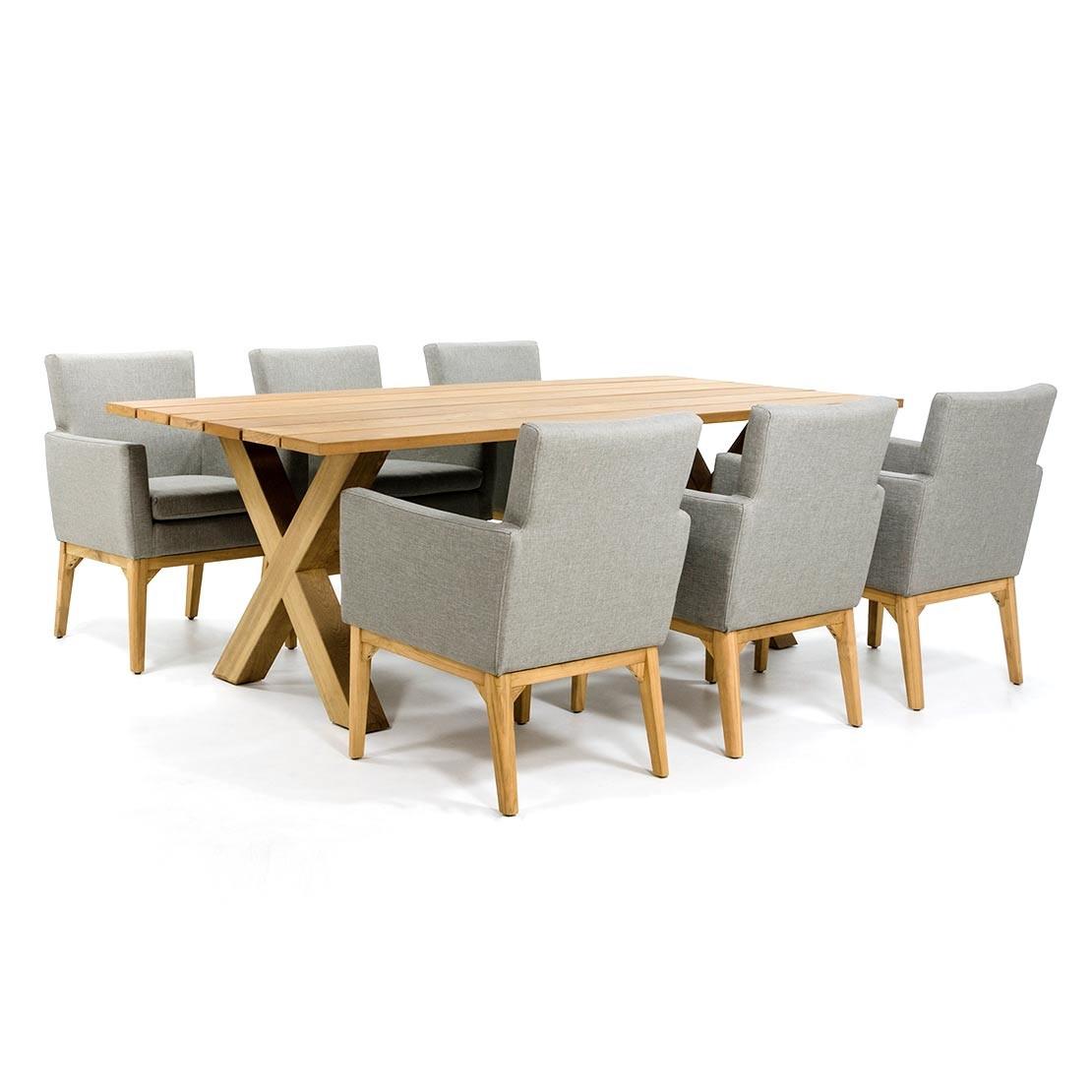 Holzgartentisch mit Kreuz Basis und luxuriösen Stühlen