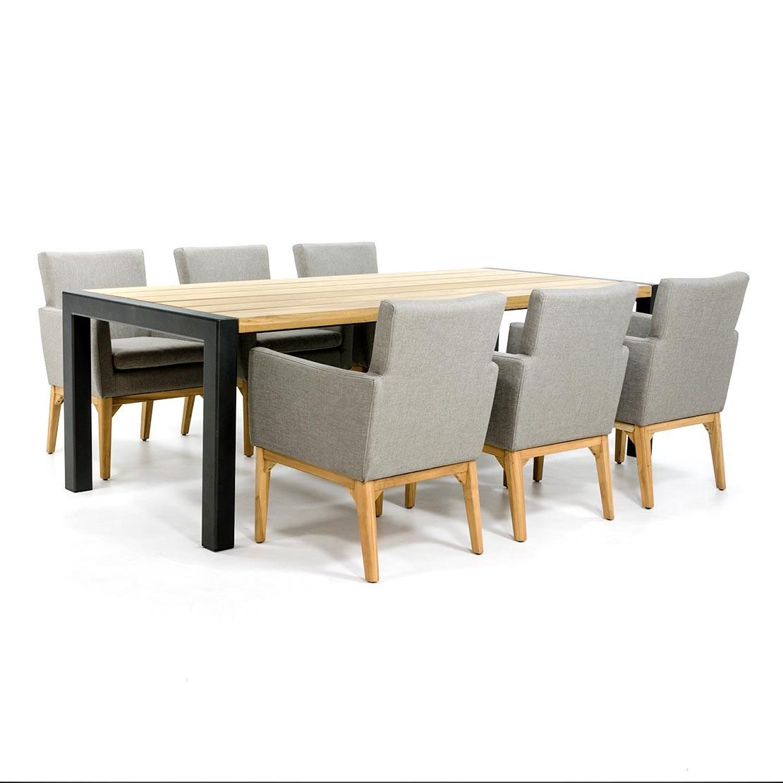 Teakholz Gartentisch mit beschichteten Stahl Tischgestell und Stühlen