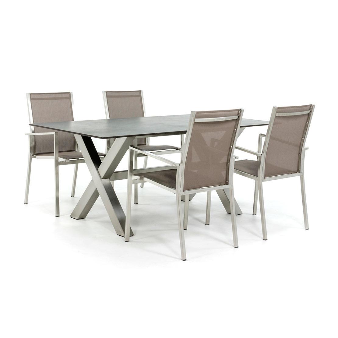 Dekton Tisch mit Tischfuß und Stühlen aus Edelstahl