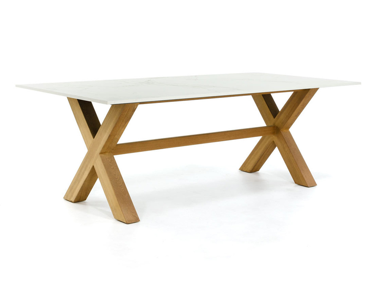 Gartentisch Dekton mit stabilem Kreuzfuß aus Holz