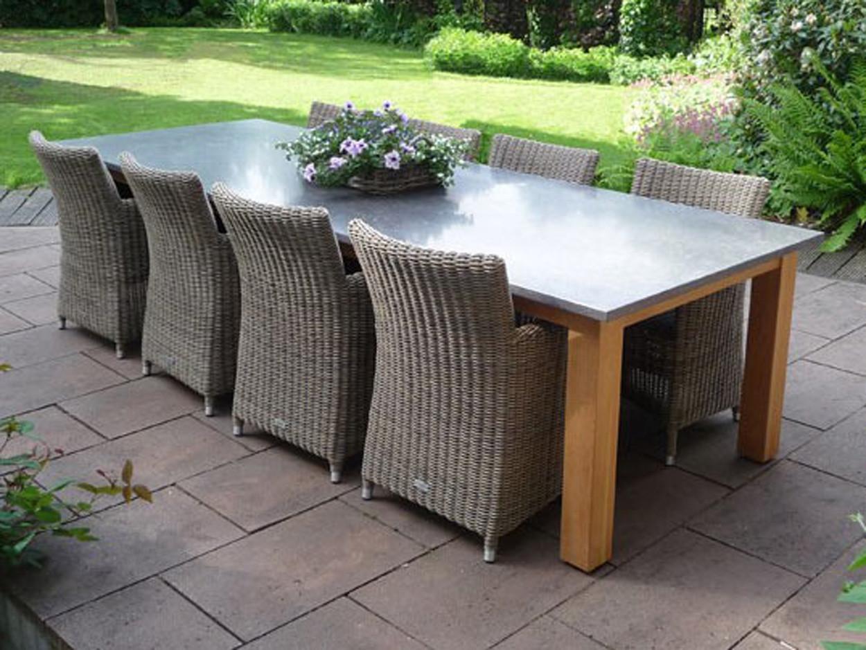 Belgischer Kalkstein Gartentisch mit Gestell aus Hartholz