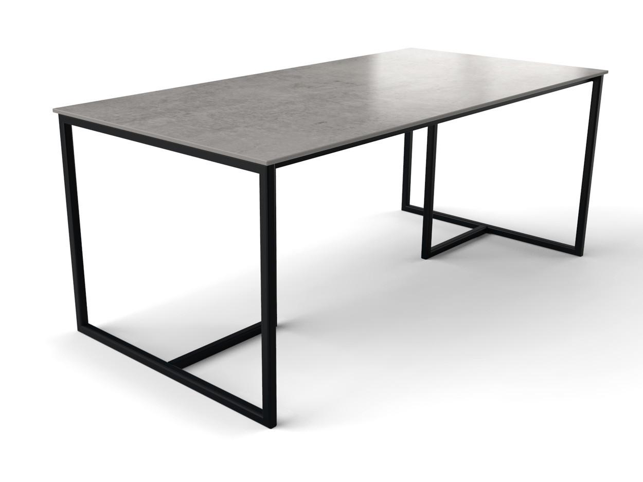 Skandinavischer Designtisch mit dünner Keramikplatte