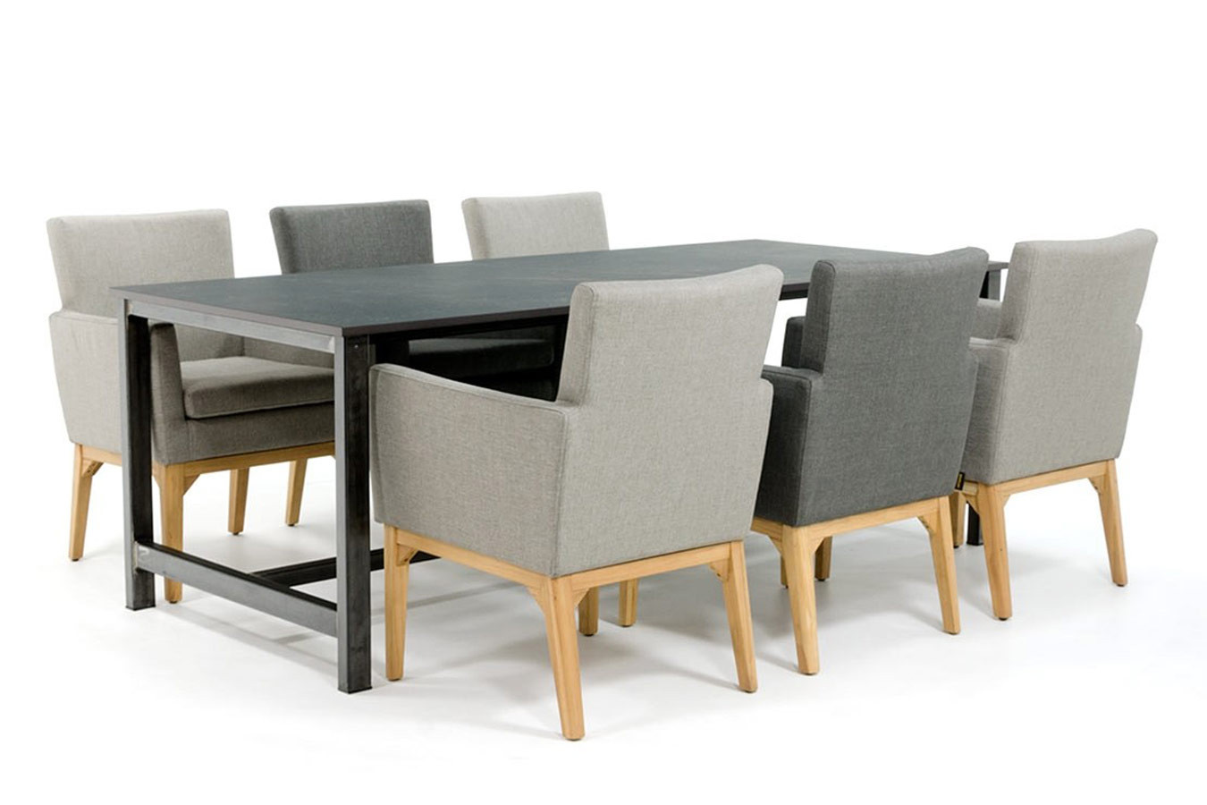 Dekton Esstisch mit Kelya Dekton Tischplatte und Stahlgestell