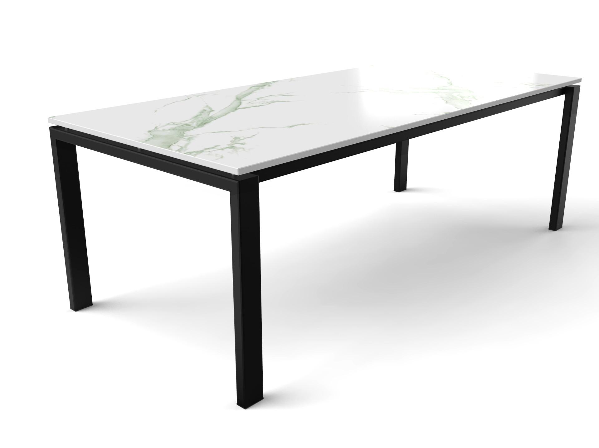 Dekton Aura15 Tisch in Marmoroptik mit schwarz beschichtetem Gestell