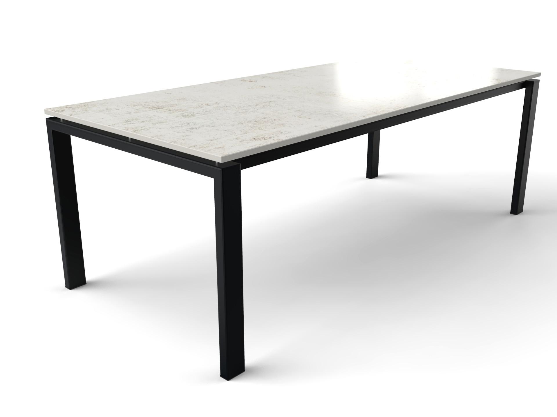 Rechteckiger Esstisch für sechs oder acht Personen mit Dekton-Tischplatte und Stahl Gestell