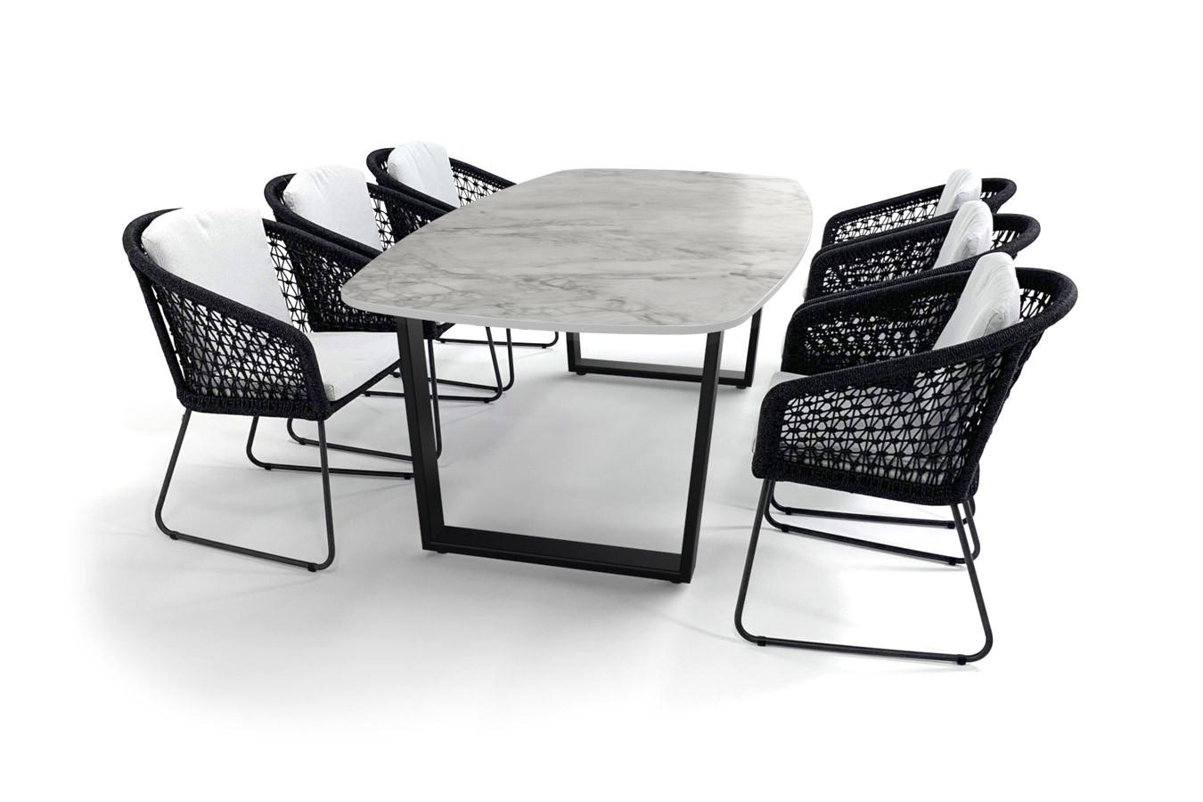 Dekton Portum Gartentisch mit schwarz beschichtetem Savona-Fuß und Mila-Stühlen